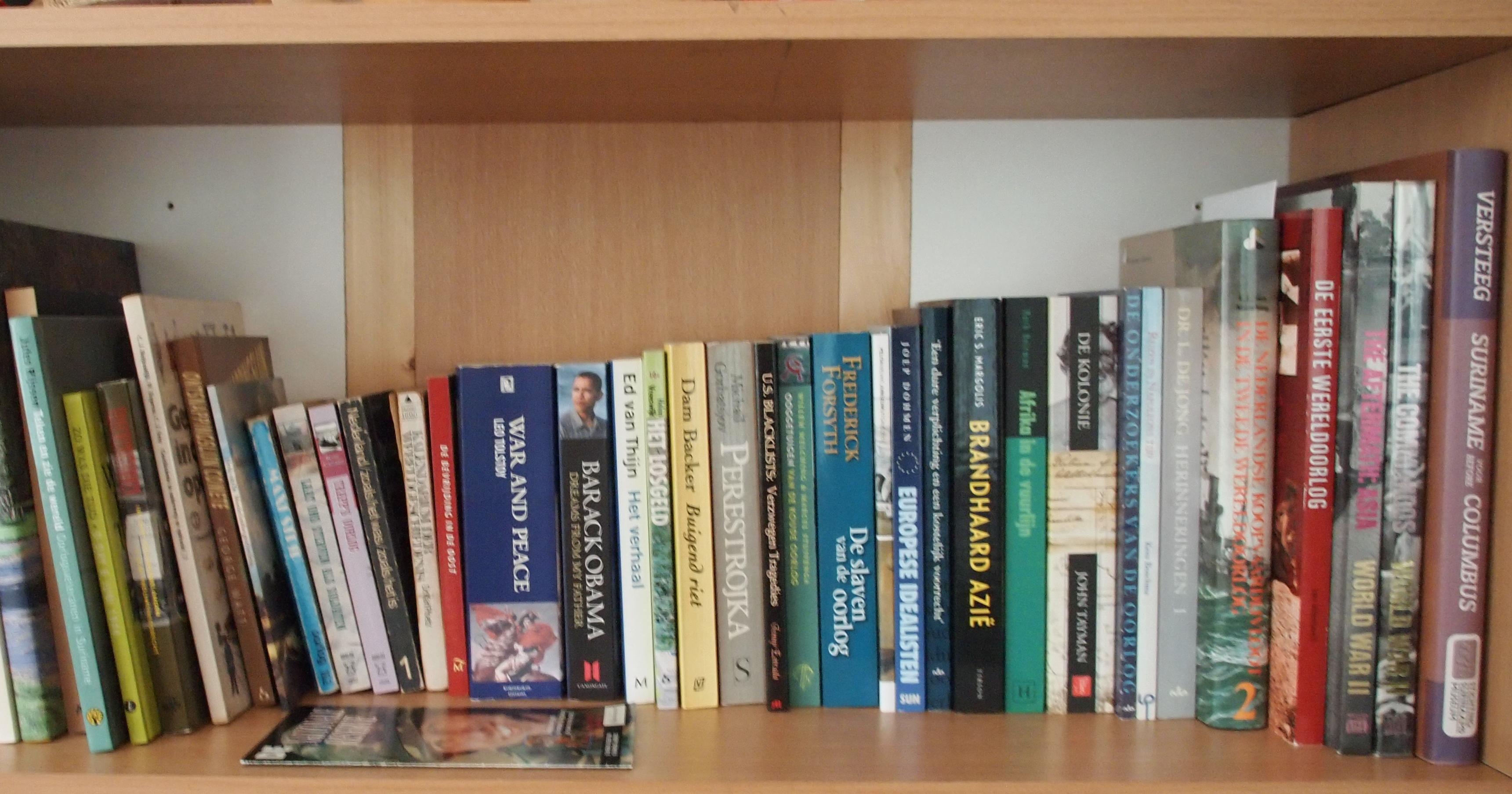 Onze boekenplank.
